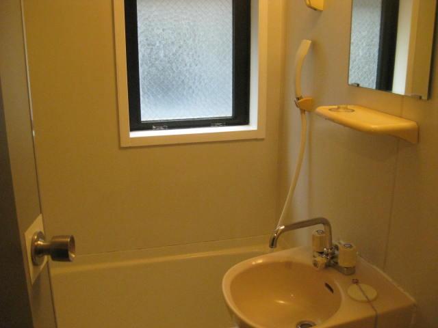 お風呂洗面窓付き