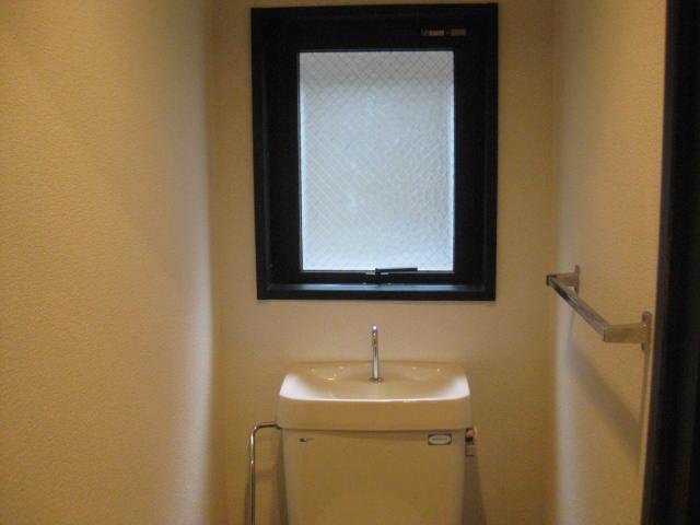 トイレ窓付き