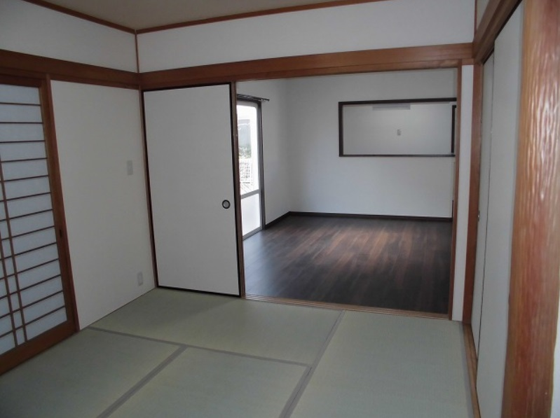 和室からリビング写真