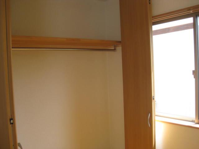 2階南西西洋室クローゼット内