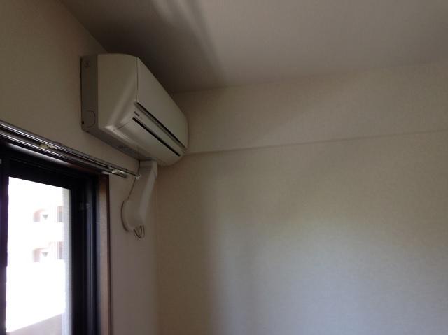 寝室側エアコン